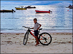 Seychelles : sabbia compatta ottima per la bici
