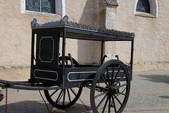 Pompes funèbres cherche son pilote décès  .