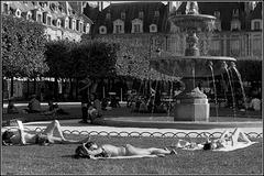 Un jour d'été, place des Vosges IV