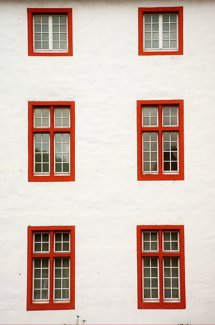 SPC Winner:  Six Red Windows
