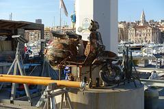 Nettoyage en profondeur du vieux port de Marseille