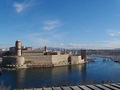 ...Le Fort St Jean...à l'entrée du Vieux Port...