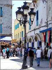 Tunisi : qui inizia la viuzza dello shopping nella Medina