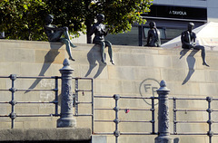 "Berlin, an der Spreepromenade: ""Three Girls One Boy Statue"""