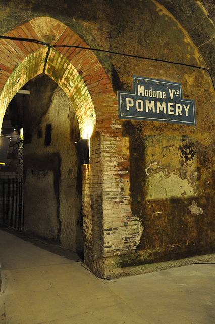 Champagne POMMERY à REIMS
