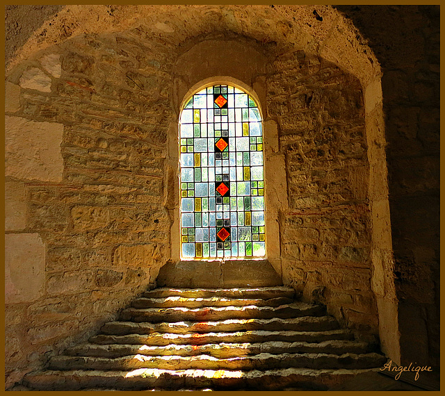Crève cœur en Auge ( chapelle ).........belle soirée !
