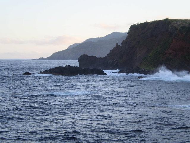 The coast, south of Santa Cruz das Flores.