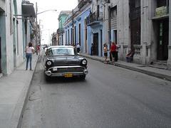 CUBA: High bum high-heeled Lady in jeans - Photo originale