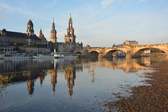 Am Elbufer in Dresden