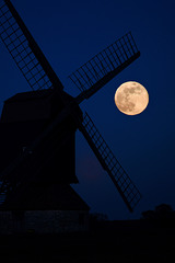 Full moon rises over Stevington Windmill