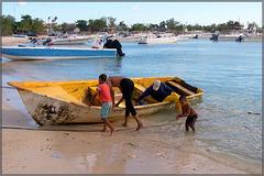 Bayahibe : una barca molto spartana di pescatori locali