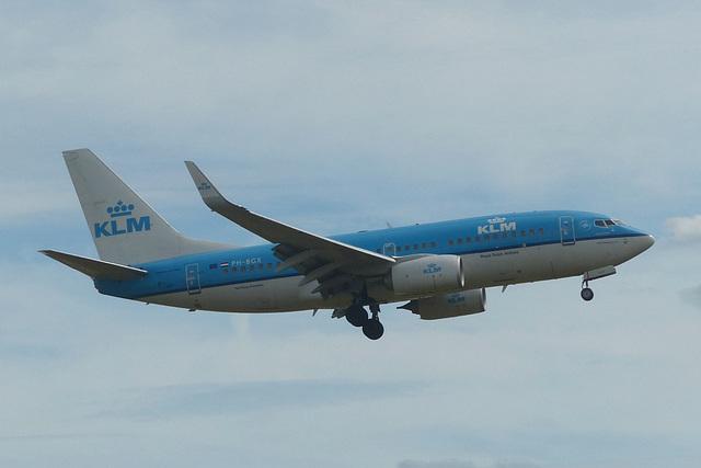PH-BGX approaching Heathrow - 7 July 2017