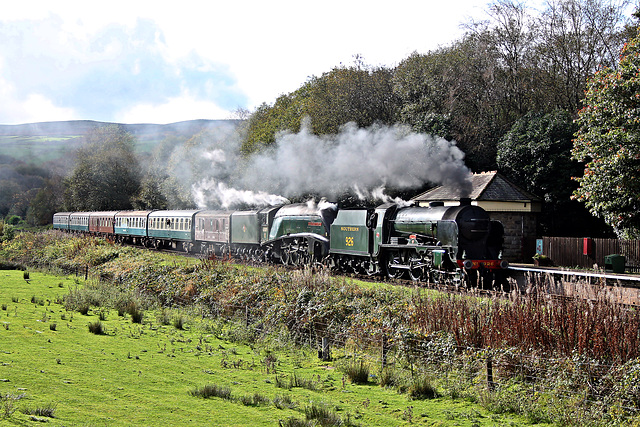 Maunsell SR class V Schools 4-4-0 926 REPTON+A4 4-6-2 60009 UNION OF SOUTH AFRICA with 1J59 11.50 Heywood - Rawtenstall at Irwell Vale ELR 19th October 2019.