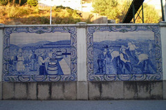 Tiles panels, inspired on grape harvest and wine production.
