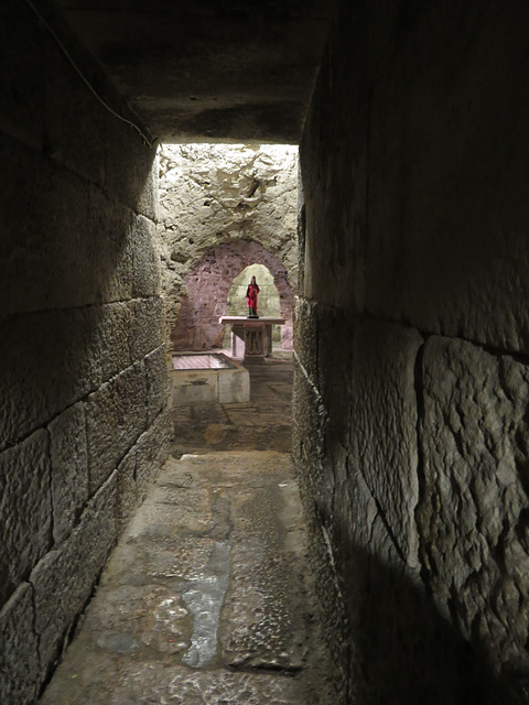 Crypte de la cathédrale, 1