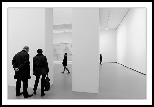 Très intéressants, ces murs blancs...