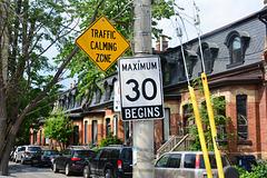 Canada 2016 – Toronto – Traffic Calming Zone