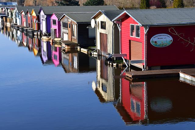Bunte Bootshäuser