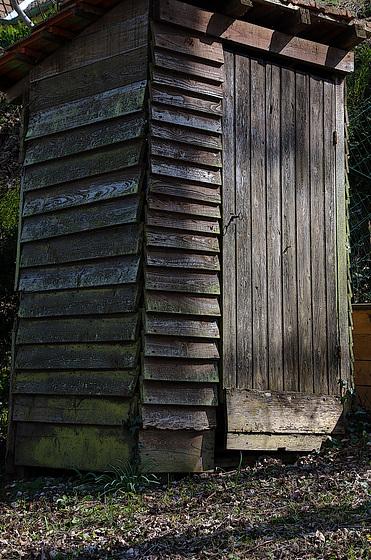 La cabane au fond du jardin , pour ceux qui sont dans l'urgence .