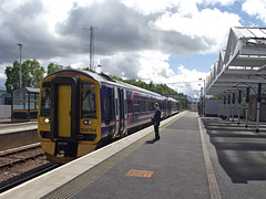 158704 pauses at Dingwall