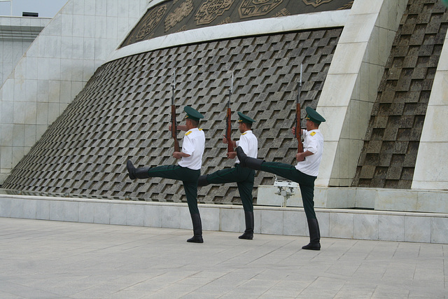 Changing the guard in Ashgabat