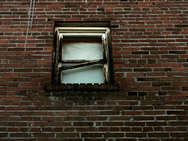 Falling window