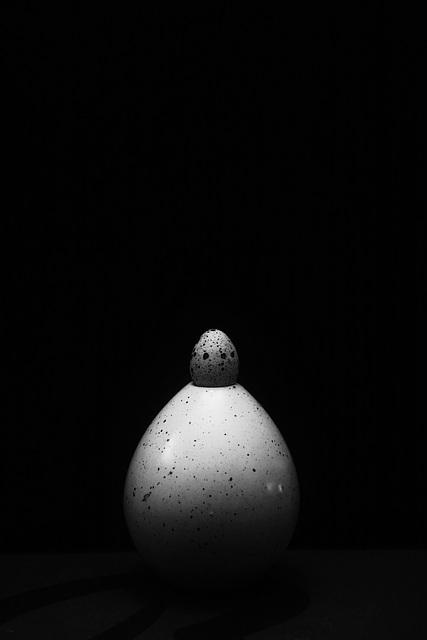 quail egg vase II