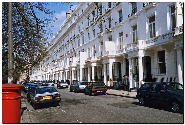 Eaton Place   Terrace to the North Side of Eaton Square