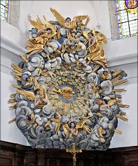Vercel-Villedieu-le-Camp (25) 24 juillet 2013. Eglise Sainte Agathe; couronne de gloire.