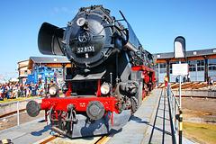 Dampflok 52 8131 auf der Drehscheibe