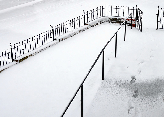 Fences & footsteps HFF.