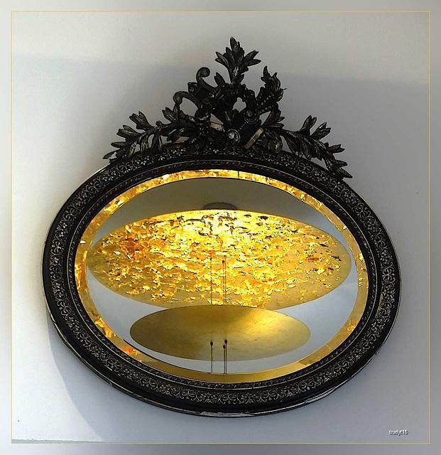 lamp in spiegel
