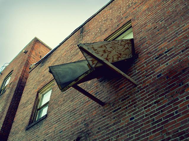 Alley chute