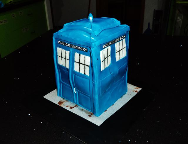 wibbly wobbly timey wimey Tardis cake