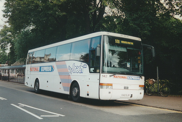 Arriva Northumbria V142 EJR at Cambridge -17 Aug 2000