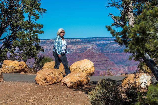 Marilyn at the Grand Canyon3