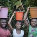 Les petites porteuses d'eau 2018 - Sainte-Marie (Madagascar)