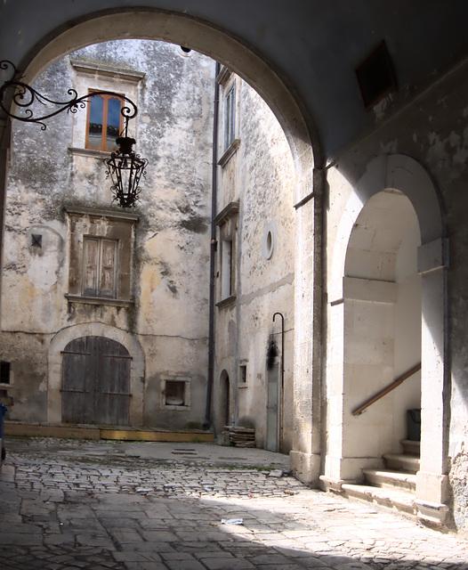 Palazzo in Ischiatella.Gargano. Puglia