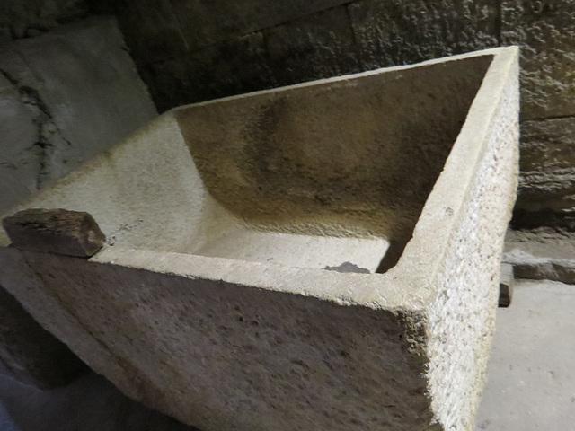 Sous-sols du palais de Dioclétien : grande cuve.
