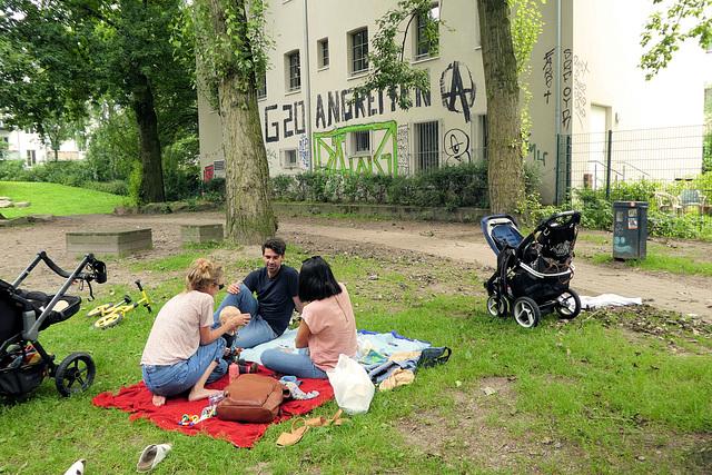Am Freitag 7. Juli: Idyll an der Vorwerkstraße im Karoviertel (2xPiP)