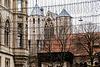 Dom, Burg und Rathaus im Netz?