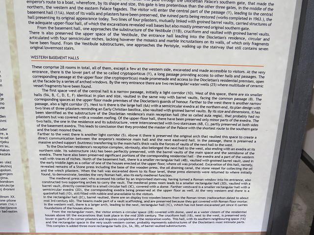 Sous-sols du palais de Dioclétien : panneau explicatif, 2