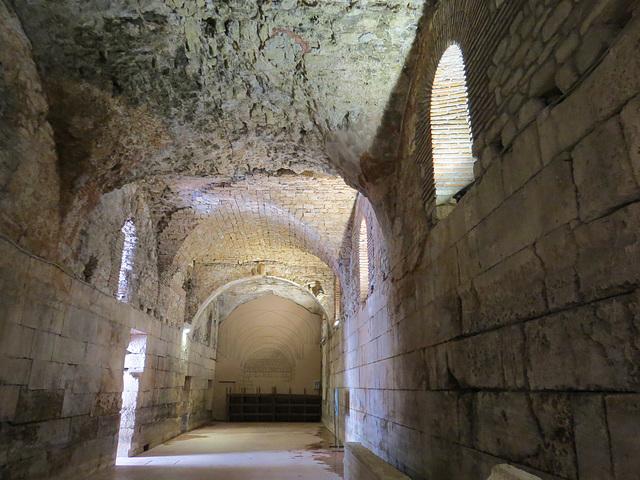 Sous-sols du palais de Dioclétien : l'aile est.