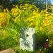 Grabstein mit Blüten - Tomboŝtono kun floroj