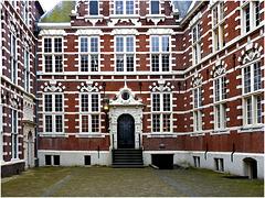 Amsterdam University - (544)