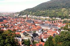 Heidelberg zu Füßen des Schloßes