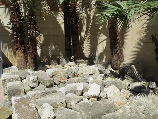 Sous-sols du palais de Dioclétien : débris architectoniques.