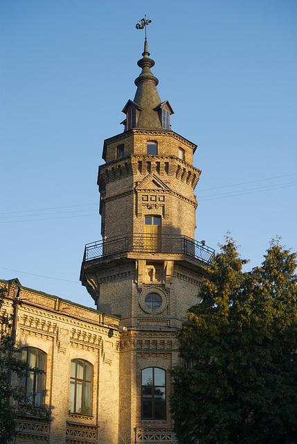 Der Turm auf dem Hauptgebäude NTUU-KPI