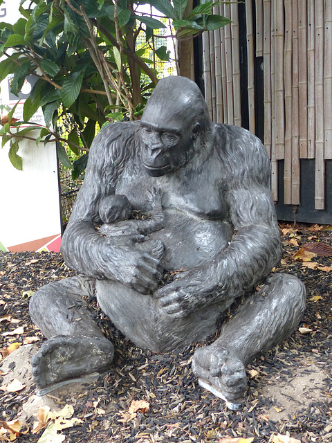Gorilla Sculpture (4) - 16 October 2015
