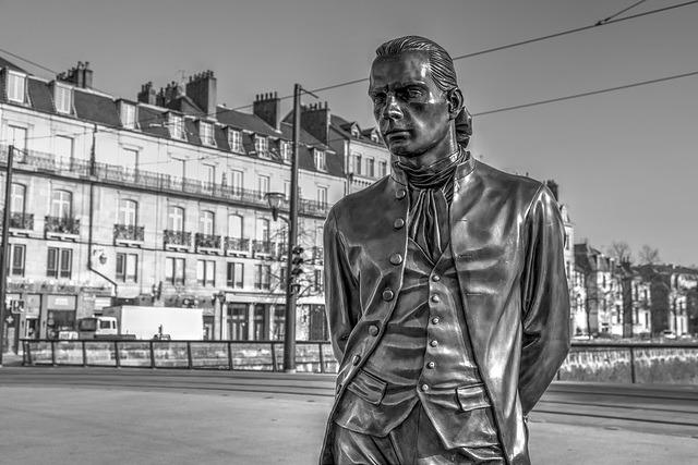 BESANCON: Statue du Marquis Jouffroy d'Abbans 03.